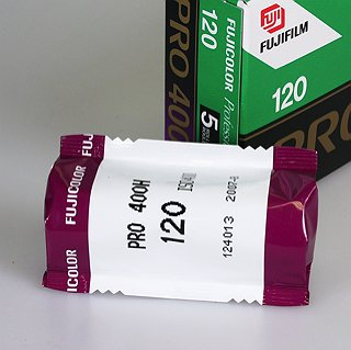 Fujicolor Pro 400H 400 iso 120 size (Single Roll Unboxed)