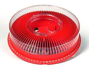 Arista Carousel Tray for Kodak Ektagraphic Projector with Cover holds 80 slides - Red